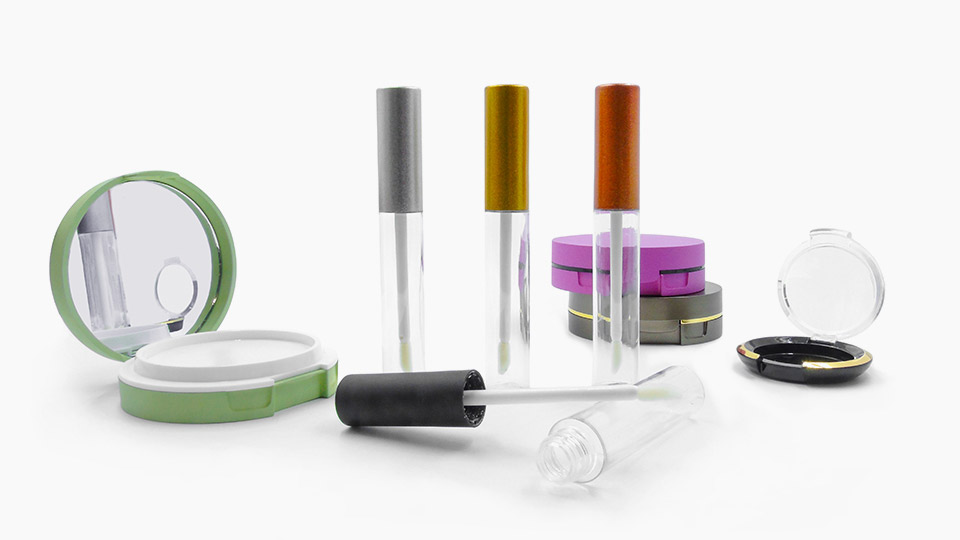 Packaging per Cosmetici | Mega Srl si occupa da oltre 20 anni anni di creazione di packaging per make-up, svolgendo ogni fase internamente.